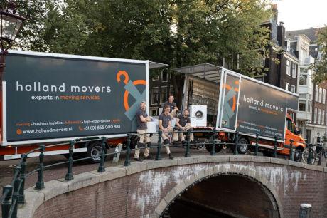 Holland Movers op brug
